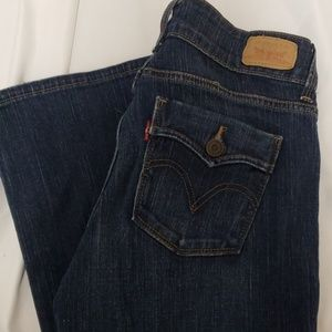 Levi's dark denim curvy boot size 6